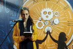 Nadia Mifsud. Novembru 2017, waqt it-tnedija tal-ewwel rumanz tagħha, ir-Rota Daret Dawra (Kważi) Sħiħa, waqt il-Festival Nazzjonali tal-Ktieb.